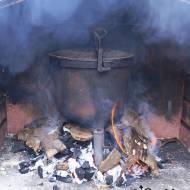 Klasyczny kociołek z ogniska, czyli pieczonki