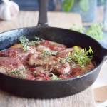 Polędwiczka wieprzowa w sosie rabarbarowym / Pork loin with rhubarb sauce