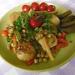 Młode ziemniaki duszone z warzywami