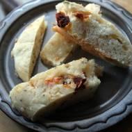 Drożdżowy chlebek z jalapenos