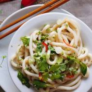 Makaron udon z chilli i szpinakiem / Udon noodle salad with chilli and spinach