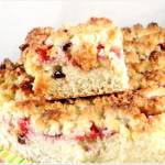 Ciasto z truskawkami i kruszonką migdałową