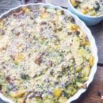 Zapiekanka z kurkami młodymi ziemniakami i brokułem