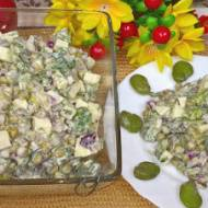 Przepis na sałatkę z bobem i zielonym groszkiem