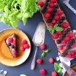 Czekoladowa tarta z malinami