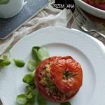 Faszerowane pomidory. Komosa ryżowa i cukinia.