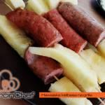 Hawajska kiełbasa na grilla, czyli tradycja z ananasem