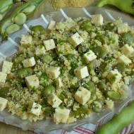 Sałatka kuskus z bobem i serem korycińskim