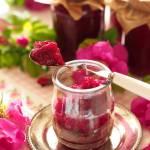 Tradycyjna konfitura z płatków róży