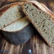 Chleb dla lenia z nasionami konopi