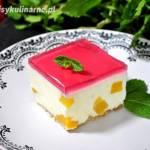 Sernik na zimno z brzoskwiniami
