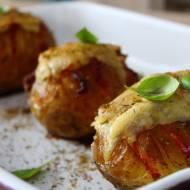 Pieczone ziemniaki z boczkiem i serem