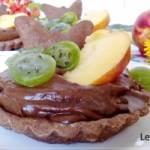 Czekoladowe tartaletki ze zdrowym kremem i  owocami