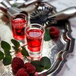 Gin malinowy – domowa owocowa infuzja