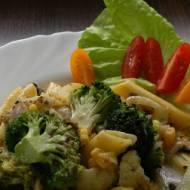 Zapiekanka makaronowa z brokułem, kalafiorem i pieczarkami (wegańska i bezglutenowa) #11