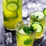Lemoniada ogórkowa z miętą i limonką