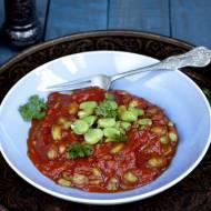 Bób w sosie pomidorowym