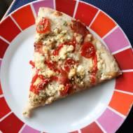Pizza z wędzonym twarogiem