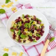 Salatka makaronowa z burakami