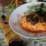 Spaghetti Meatballs z Paprykowym Sosem
