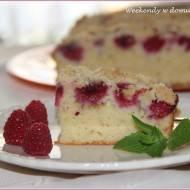 Szybkie, codzienne ciasto na maślance z malinami