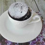 Mocno czekoladowe ciasto w kubku