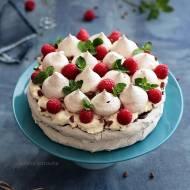 Czekoladowo-miętowy tort bezowy