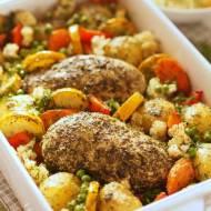 Piersi kurczaka pieczone w ziołach z warzywami