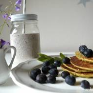 co jeść latem – genialne pancakes i koktajl jagodowy