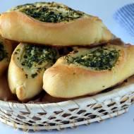 Bułeczki z masłem czosnkowo-pietruszkowym