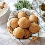 Z cyklu: Domowe pieczywo - Razowe bułeczki z ziołami prowansalskimi (Panini integrali con erbe di provenza)