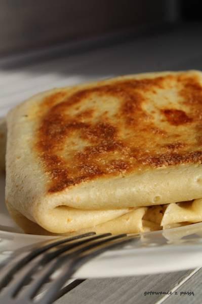 naleśniki z serem i pieczarkami