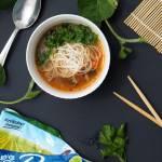 Zupa chińska z makaronem ryżowym