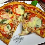 Pizza na  cieście z kalafiora – Pizza kalafiorowa bez mięsa i glutenu