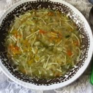 Zupa cebulowa z kapustą