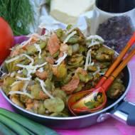Bób smażony z boczkiem i pomidorami