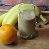 Smoothie z pomarańczą, bananem i granatem