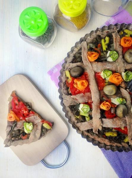 WYTRAWNA TARTA DROŻDŻOWA z warzywami (orkiszowa, wegańska)
