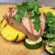 Grillowany tuńczyk z ananasową salsą