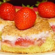 Ciasto ucierane z z truskawkami i kokosem
