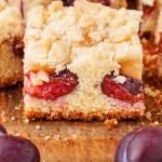 Ciasto ucierane ze śliwkami i kruszonką