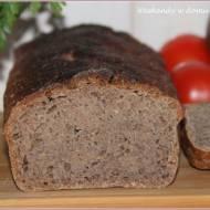 Chleb orkiszowo-pszenno-kasztanowy na zakwasie w sierpniowej piekarni