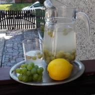 kompot z winogrona i cytryny z nutą mięty