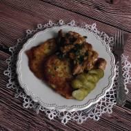 Placki ziemniaczane z pikantnym wieprzowym gulaszem