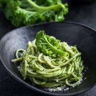 Spaghetti z jarmużowym pesto