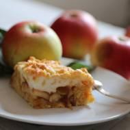 Kruchy jabłecznik z pianką.