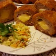 Mielone z kurczaka nadziewane serem