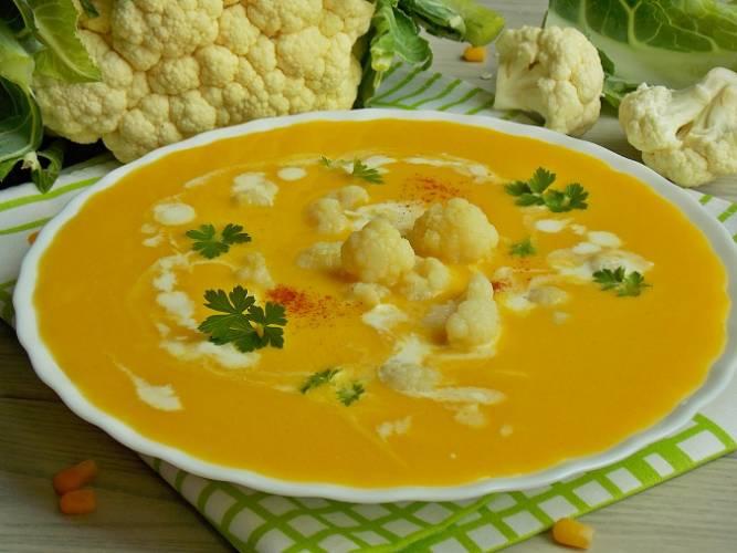 Zupa kukurydziana z kalafiorem