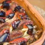 karkówka pieczona z papryką, pieczarkami i cebulą