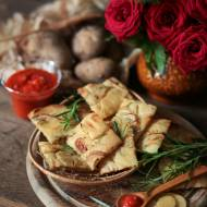 Chrupiące wafle ziemniaczane z rozmarynem